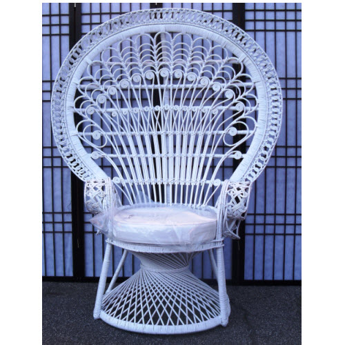 Peacock Morticia Chair, White Peel